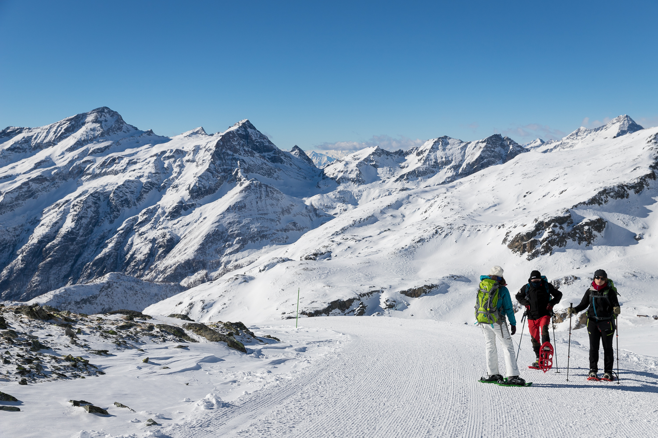 Ciaspole neve Monte Rosa vicino Milano Novara Vercelli, ciaspolare montagna impianti Monterosa